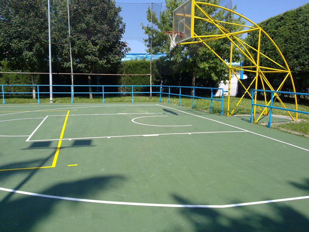 Rivestimento-campo-da-basket-Reggio-emilia